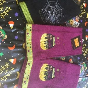 Other - 🎃 3 Halloween Towels 🎃